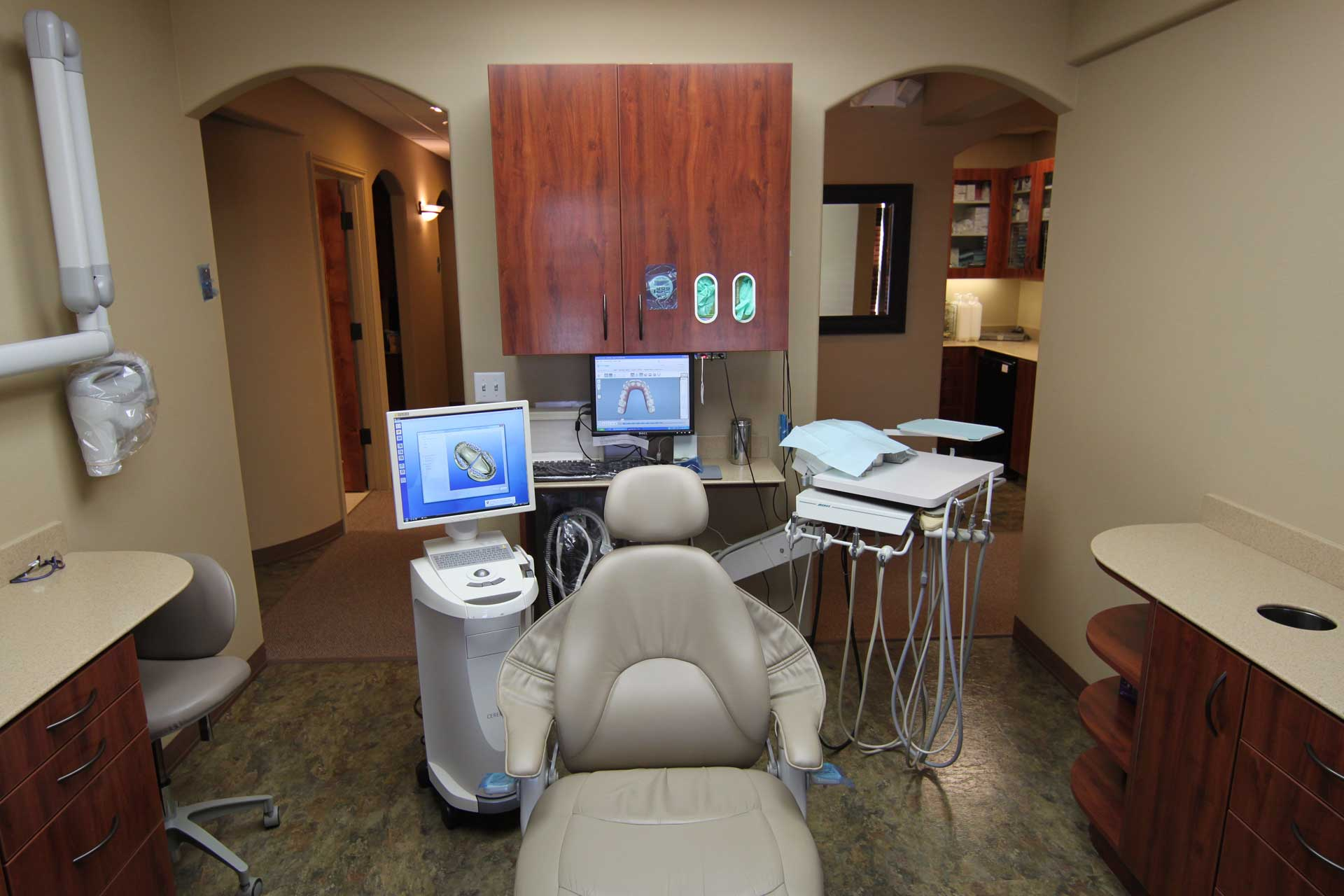 Operatory room and chair